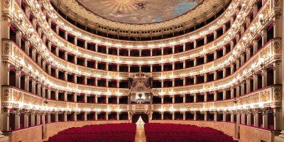 Accessible San Carlo theatre in Naples