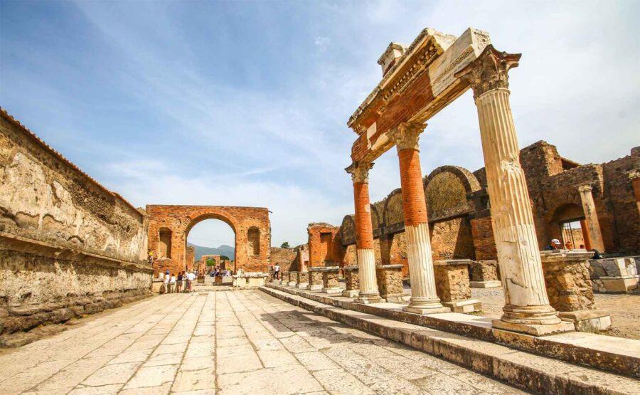 Pompeii Tour 04-min