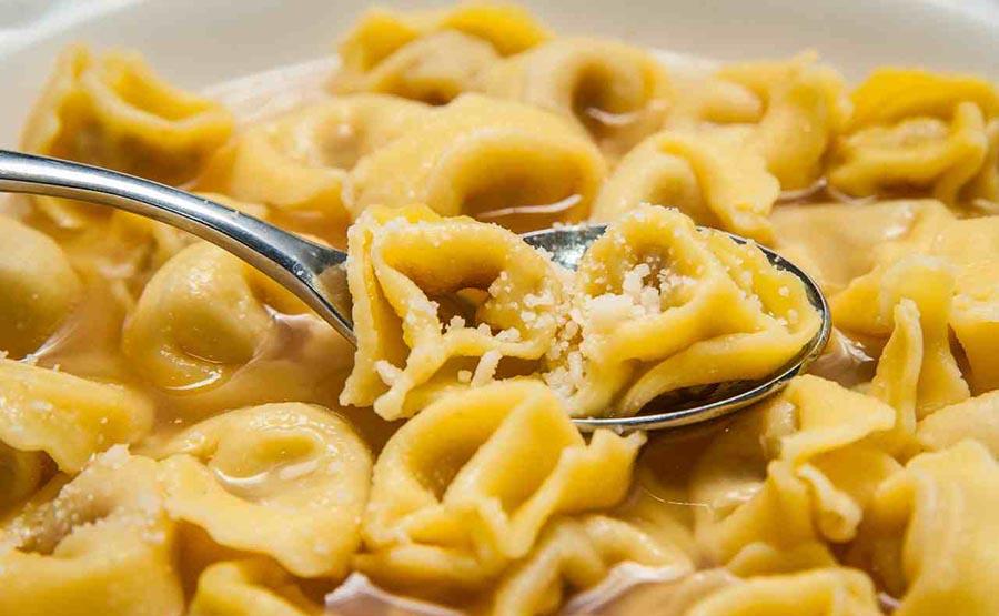 ACCESSIBLE ITALIAN FOOD TASTING TOUR - BOLOGNA