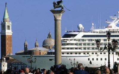 VENICE: NO MORE CRUISE SHIPS inside the city