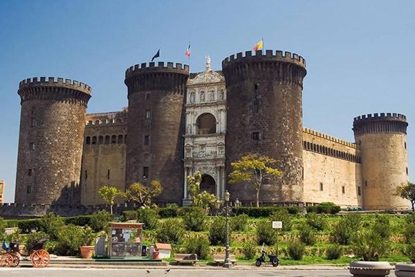 Angevin Castle Tour – Naples