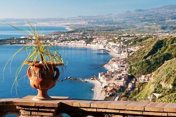 Taormina, Giardini Naxos & Castelmola Tour