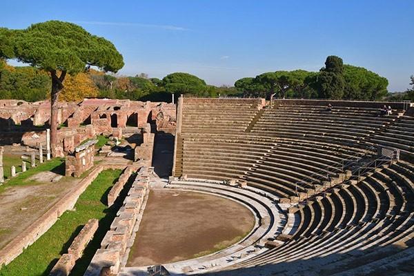 Tour of Ancient Ostia – Rome