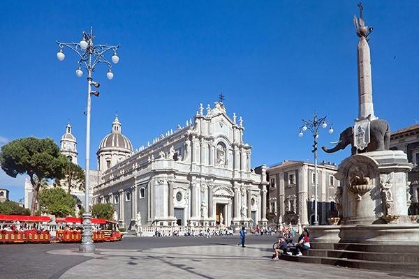 Walking Tour Catania