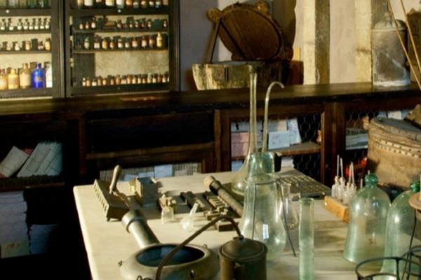 Hidden National Historic Museum of Healthcare Art – Rome