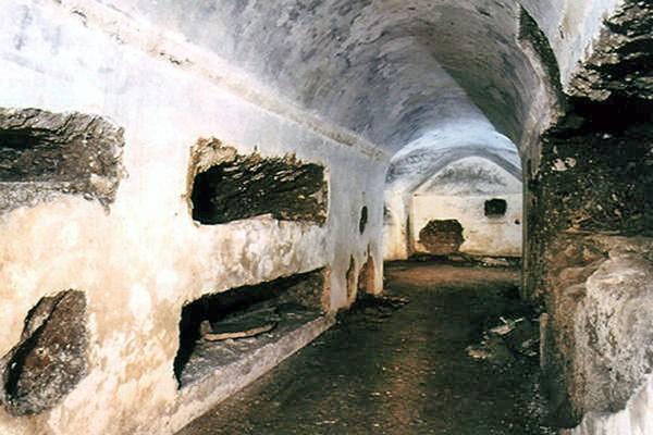 Mausoleum of Lucilius Peto – Underground Rome