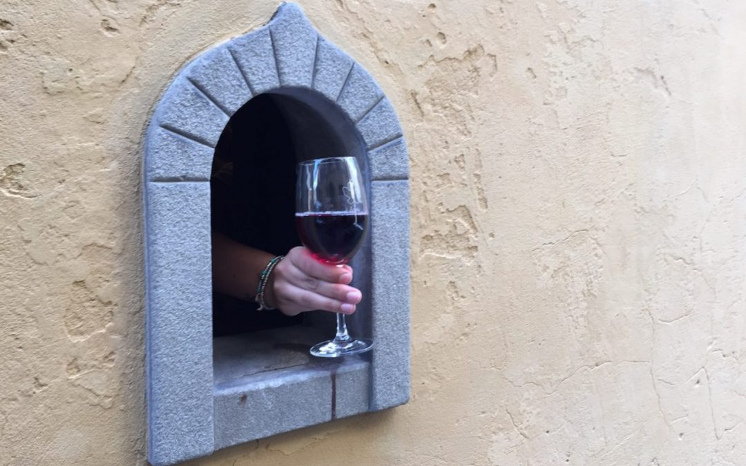 "In Florence, they reopened one of the historic ""Buchette"" of the wine"