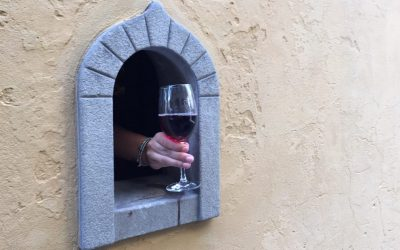 """In Florence, they reopened one of the historic """"Buchette"""" of the wine"""