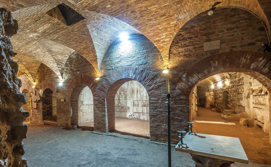 Catacombs of Priscilla Tour 03-min
