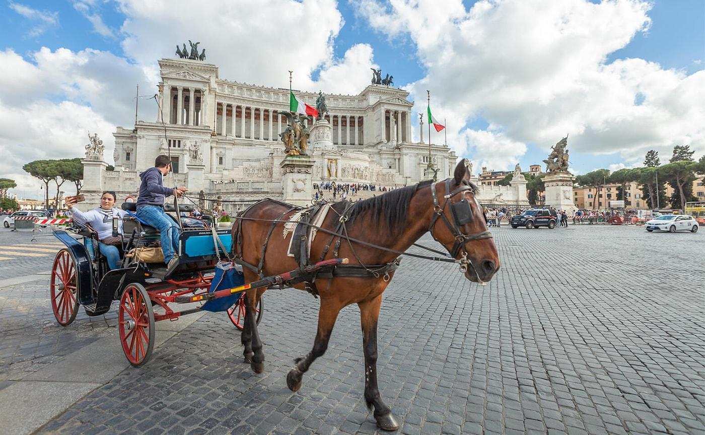 Horse Carriage Tour – Rome 01-min