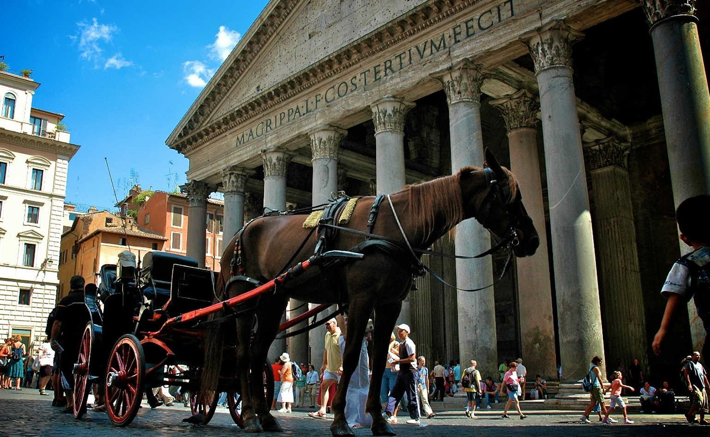 Horse Carriage Tour – Rome 02-min