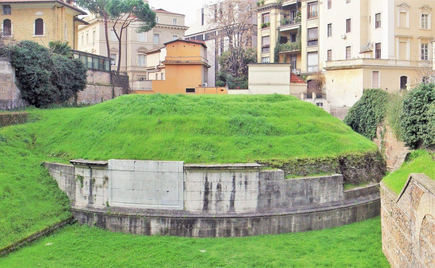 Mausoleum of Lucilius Peto – Underground Rome 03