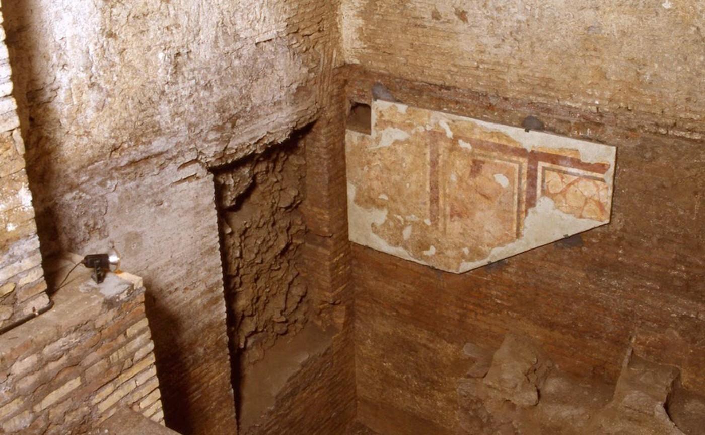 Mausoleum of Lucilius Peto – Underground Rome 04