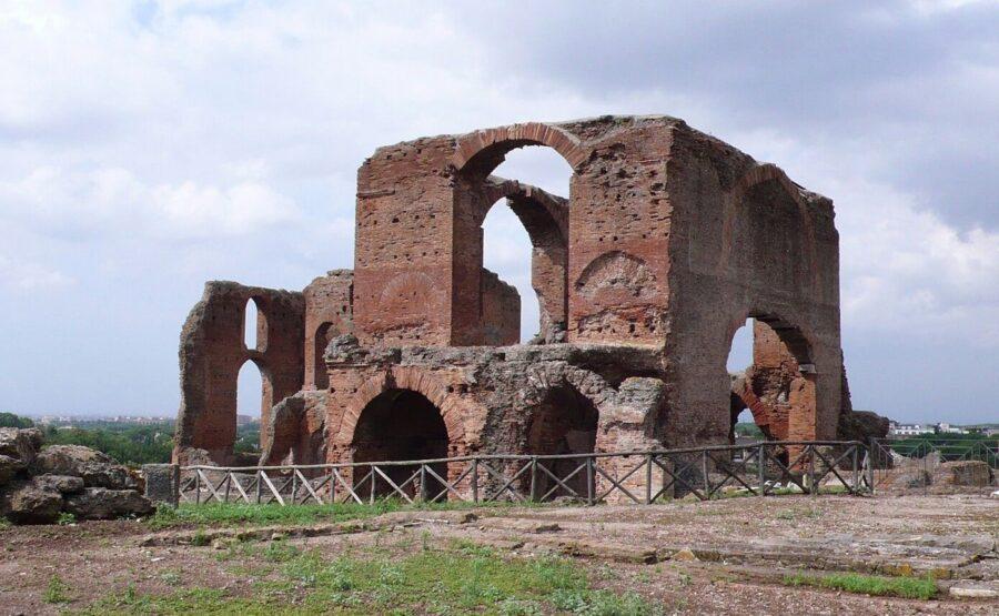 Villa of the Quintilii Tour – Rome 02-min