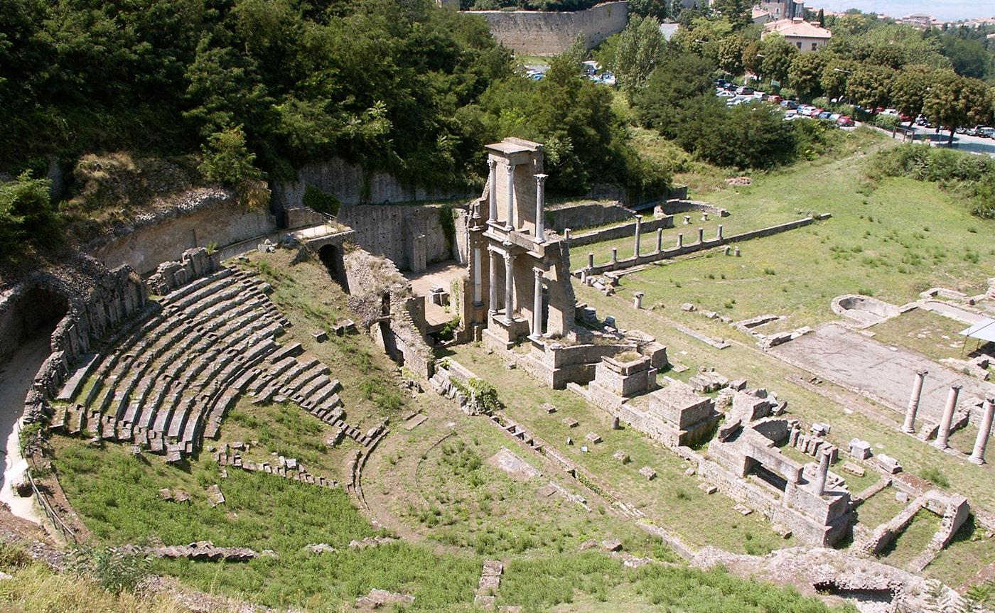 Walking Tour Volterra 03-min