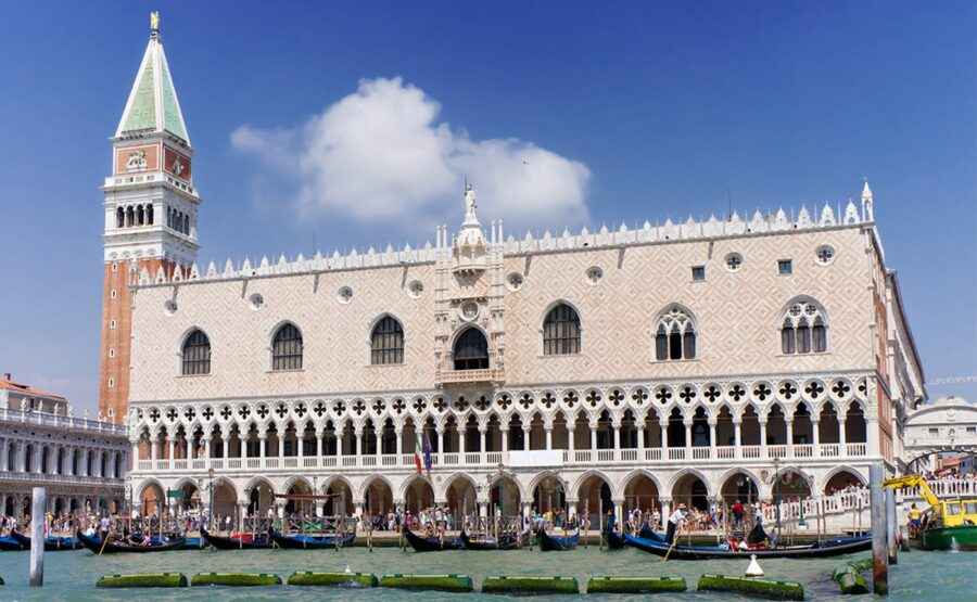WALKING TOUR OF VENICE AND DOGE'S PALACE