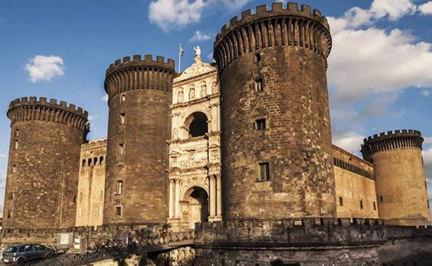 Angevin Castle Tour – Naples 01-min