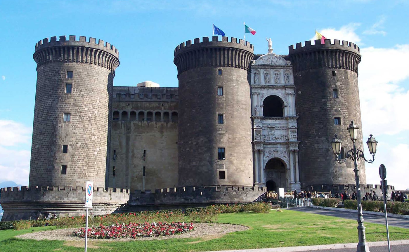 Angevin Castle Tour – Naples 02-min