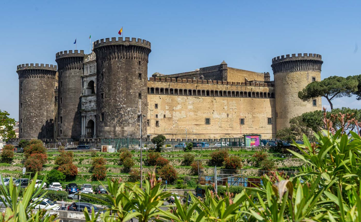 Angevin Castle Tour – Naples 03-min