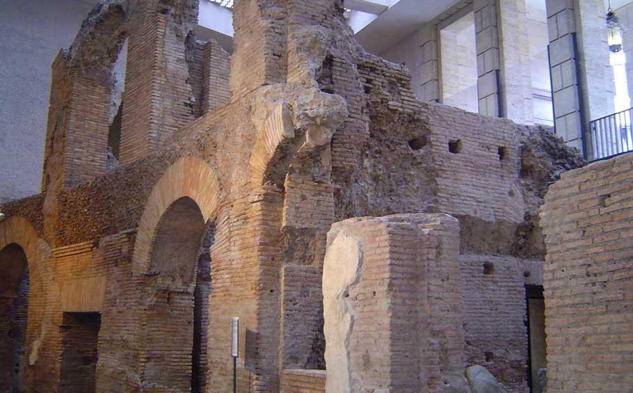 Domitian's Stadium Tour – Underground Rome Tour