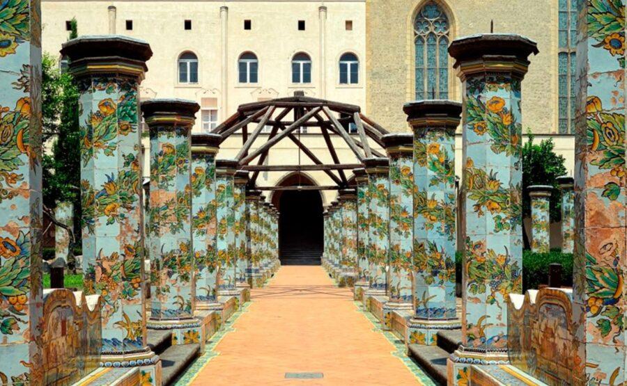 Gothic style of Naples Tour 01-min