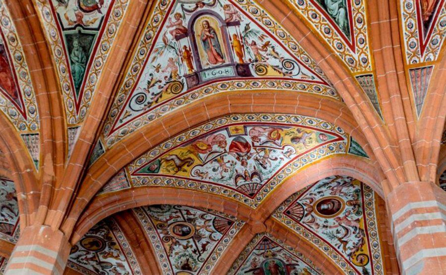 Gothic style of Naples Tour 04-min