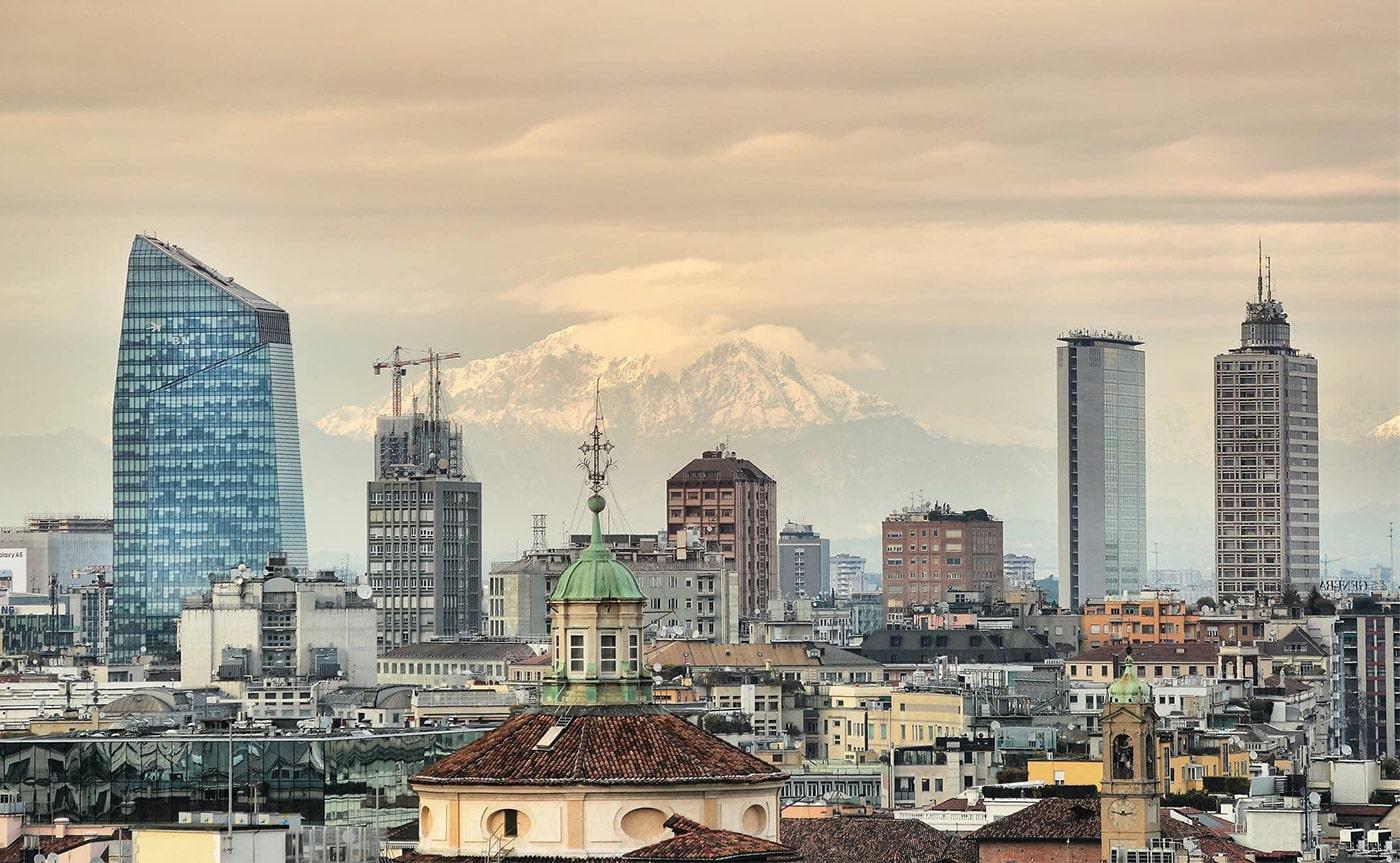 Milan walking