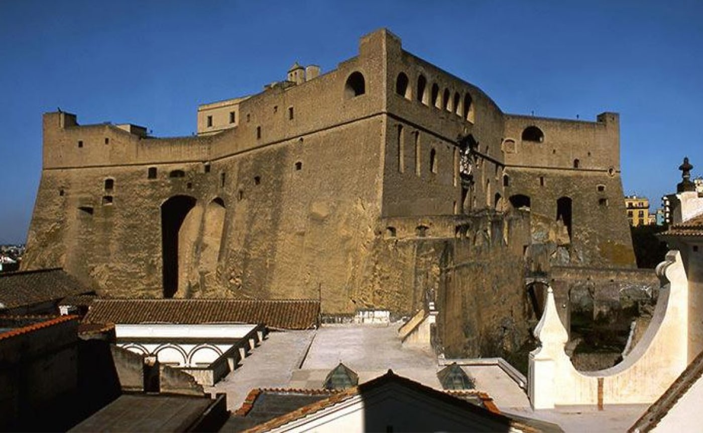 St. Elmo Castle Tour – Naples 01-min