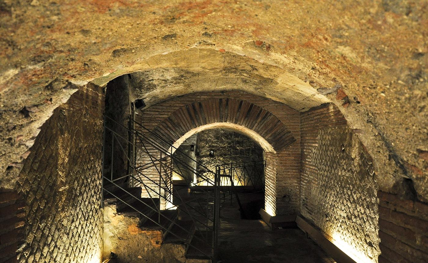 Underground Naples Tour 05-min