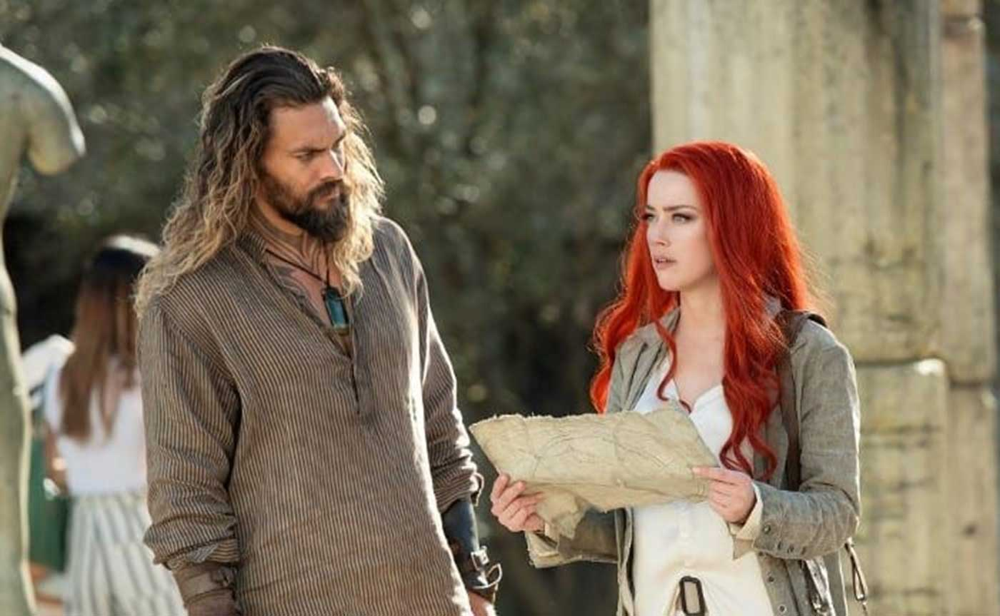 DCEU Scenes, As Aquaman, backed up by Mera, faced off against Black Manta in Sicily in the Aquaman movie.