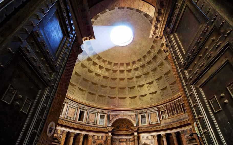 Highlights-Tour-of-Rome_Pantheon-inside