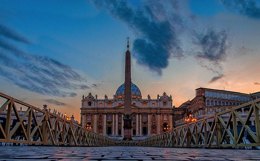 Vatican-Museum-and-Sistine-Chapel-tour_St.-Peter-Basilica