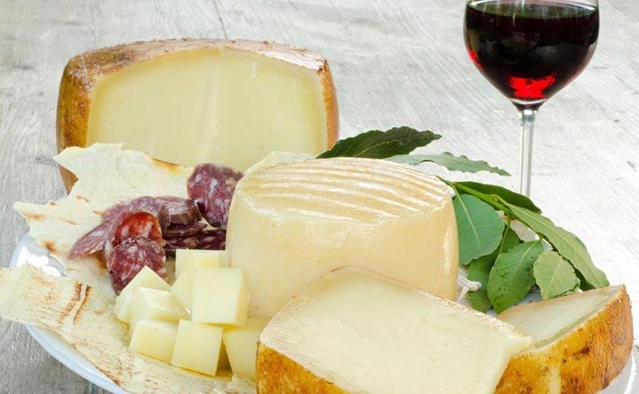 ITALIAN FOOD TASTING TOUR - ROME cheese